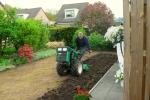 14-2010-05-15-theo-maakt-grasveld002